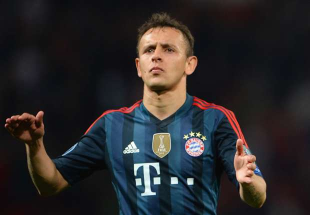 Bayern Munich rocked by Rafinha injury