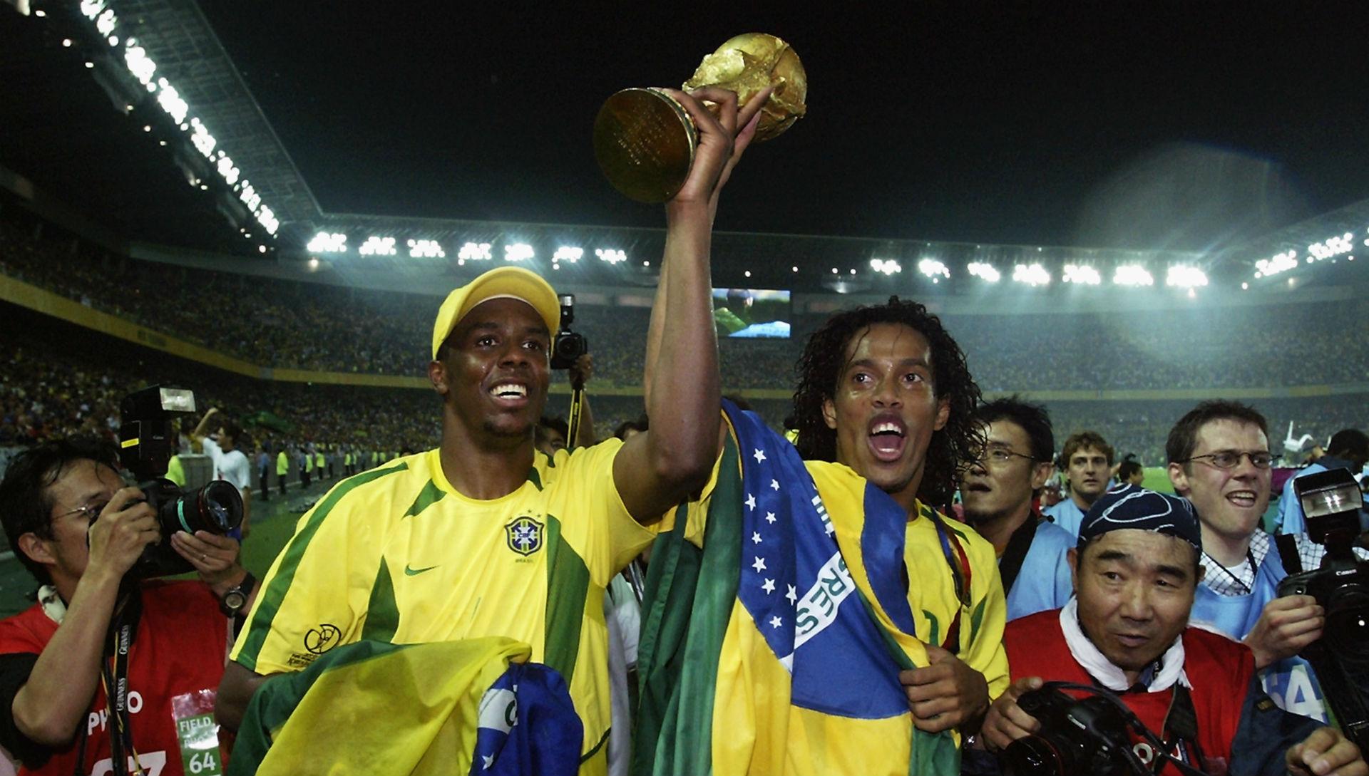 Roque Junior Ronaldinho Brasil 2002 13 12 2016