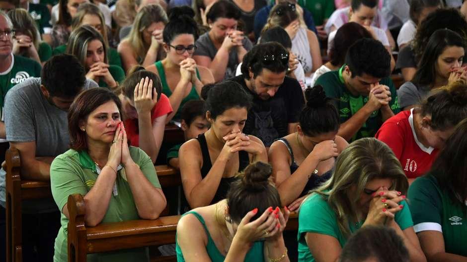 Chapecó luto mourns Chapecoense tragedy 29112016