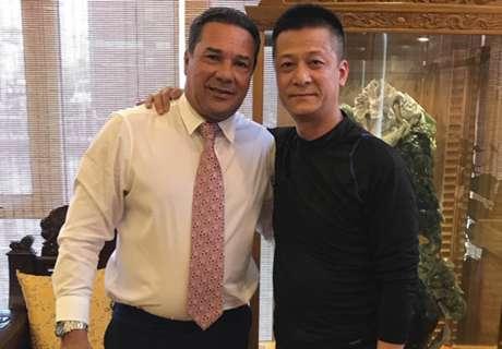 Luxa é homenageado na China