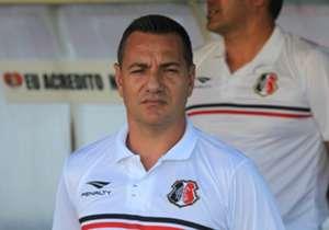 <strong> 32ª rodada </strong> | Doriva | Santa Cruz | Com o time em crise e na vice-lanterna da competição, o treinador pediu demissão após a derrota por 1 a 0 para o Botafogo.