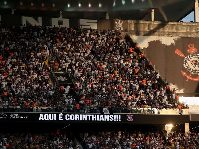 Jadson pode trazer público de volta à Arena Corinthians