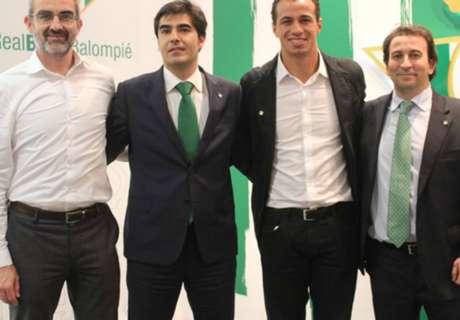 Leandro Damião acerta com o Betis
