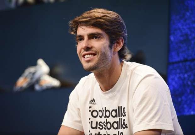 Kaká keert terug bij Kaká keert terug bij São Paulo, om vervolgens naar Orlando te vertrekken