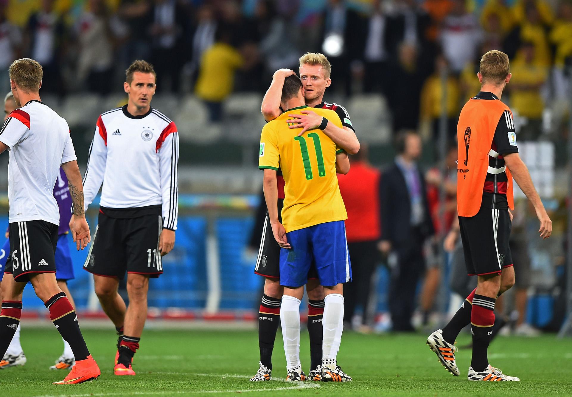 Andre Schurrle consolates Oscar Brazil Germany 2014 World Cup 07082014