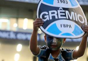 Nesta quarta-feira (7), o Tricolor empatou em 1 a 1 com o Atlético-MG e chegou a uma conquista 15 anos depois de seu último título nacional. A festa começou mesmo antes do apito inicial e terminou com a festa dentro do gramado e nas arquibancadas.
