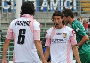 O craque Edinson Cavani já tinha feito dupla com Pastore no Palermo antes do PSG.