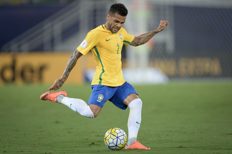 Daniel Alves Brasil x Bolívia 06102016