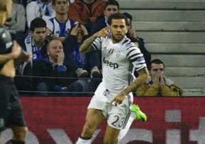 Gol de Dani Alves, expulsão de Alex Telles e o desempenho dos brasileiros nos dois jogos das oitavas de final da Champions League, disputados nesta quarta-feira (22)!