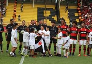 O Flamengo finalmente venceu o grande rival e se classificou para a final da Taça Guanabara. Confira uma seleção especial de fotos do confronto em Volta redonda