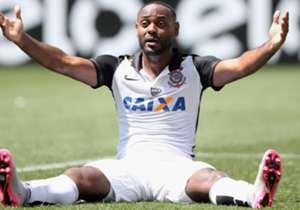 As arbitragens estão ajudando o Corinthians? Sim, um time alvinegro de São Paulo é o que mais recebeu penalidades na Série A. Mas não é o clube que você está imaginando...