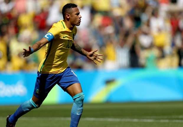 Neymar Jr. comemora o gol que abriu a goleada. Delta Caicó   Goal  Brasil  faz a lição de casa 1615f50b060a9