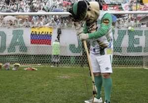 As homenagens ao time catarinense não se limitaram aos brasileiros, que lembraram das vítimas do acidente aéreo no Colômbia