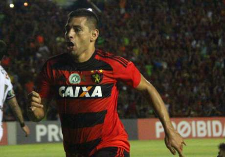 Diego Souza tira onda: