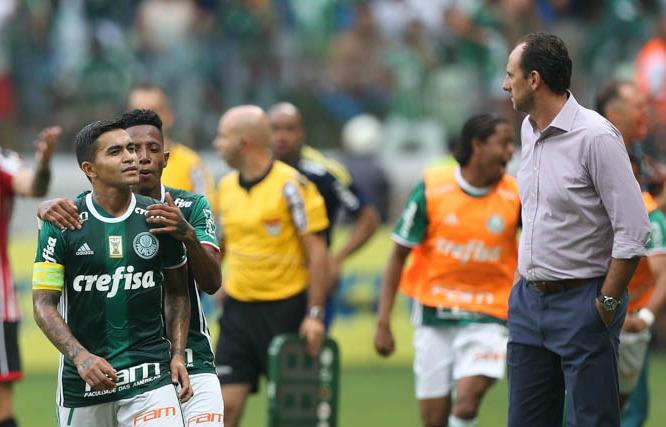 Palmeiras e São Paulo resolvem no campo espionagem por drone