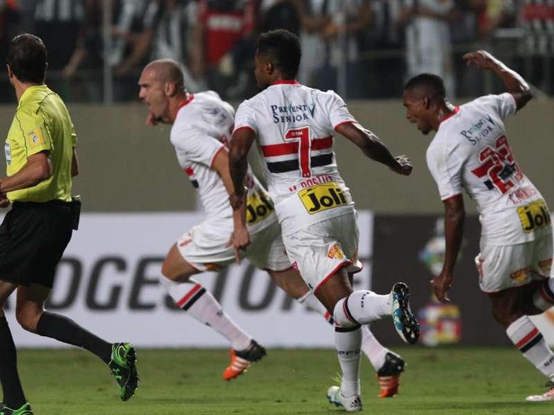Opinião: São Paulo está longe de ser o melhor time da Libertadores, mas San Lorenzo e River Plate também não eram