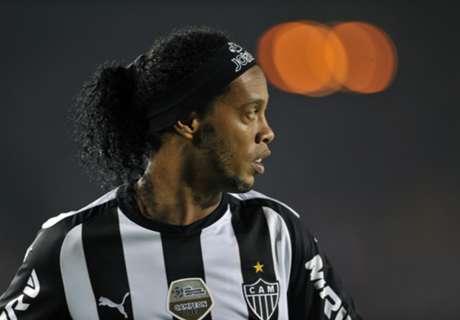 Mercato, Boca dément pour Ronaldinho
