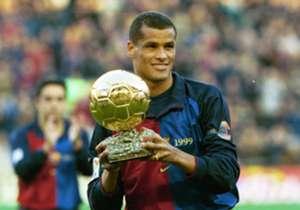 Rivaldo e il Pallone d'Oro vinto nel 1999