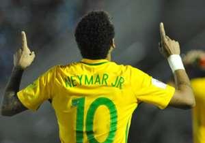 23) Uruguai 1 x 4 Brasil | Eliminatórias | 23/03/2017 | Neymar realmente, quando veste a camisa da Seleção, se inspira ao máximo. Na goleada sobre a Celeste, marcou um golaço, além de protagonizar belos lances
