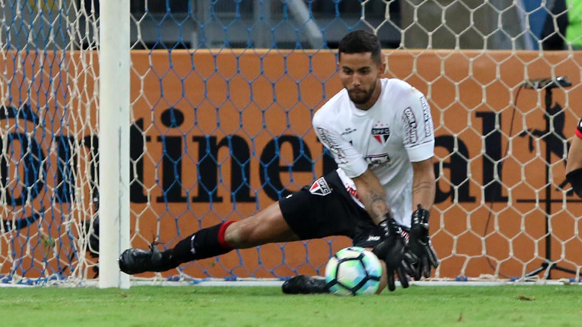 Sidão deverá ser titular no gol do São Paulo contra o Avaí