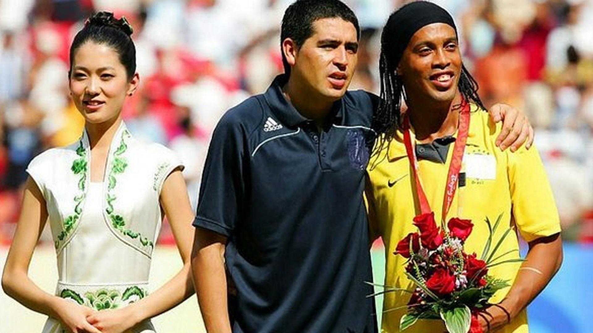Chapecoense, Ronaldinho e Riquelme pronti a giocare gratis
