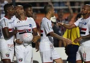 Jogadores comemoram a classificação do São Paulo para a fase de grupos da Libertadores