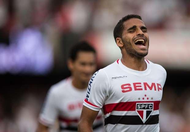 Se complica la llegada de Douglas Pereira a Barcelona