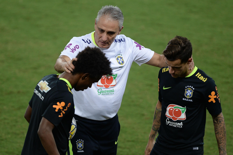 Tite Coutinho Willian Brasil 04/10/2016
