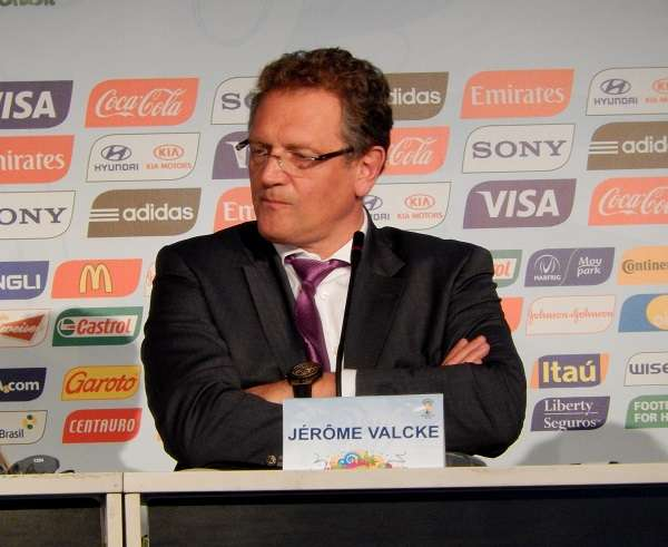 FIFA descarta compensação financeira a clubes por Copa em dezembro