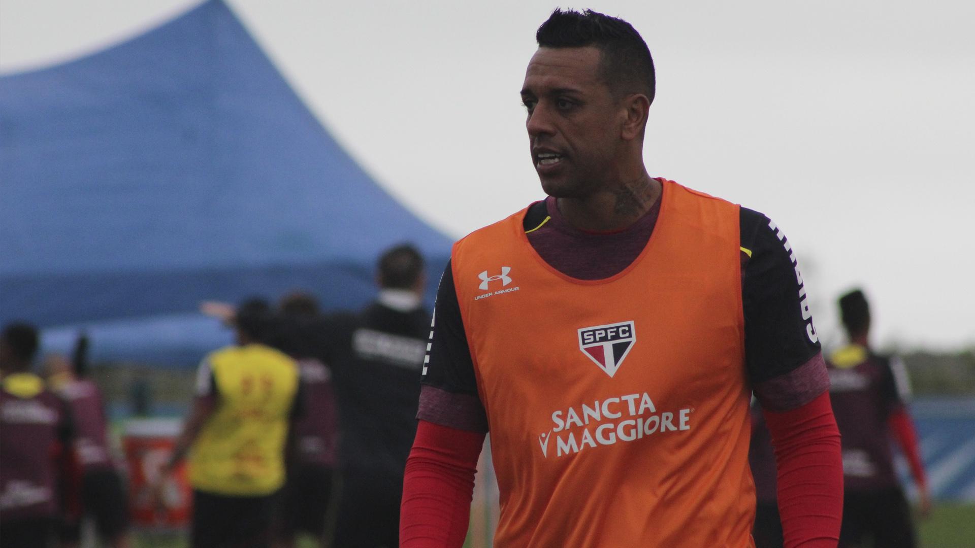 Sidão ganha a vaga de Renan no gol