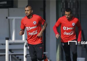 Con la presencia de Arturo Vidal y Alexis Sánchez, la Selección chilena comenzó con sus trabajos para afrontar los duelos con Paraguay y Bolivia.