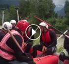 Vargas se divierte practicando Rafting