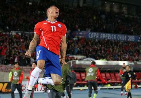 Vargas double sends Chile to Copa final