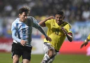 Alex Mejía | Era un fijo en el equipo de Pekerman para suplir a La Roca. Luego se fue a México donde no jugó y bajó nivel. Se recuperó en Nacional fue campeón de Libertadores y ahora espera su regreso a la Selección.