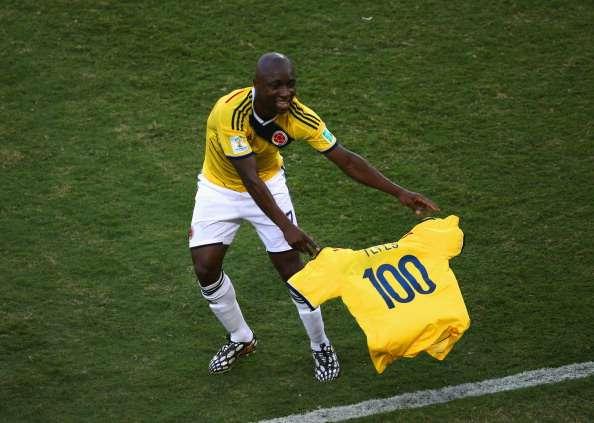 Mario Yepes cumplió su partido número 100 con la selección Colombia y Armero le hizo este regalo.