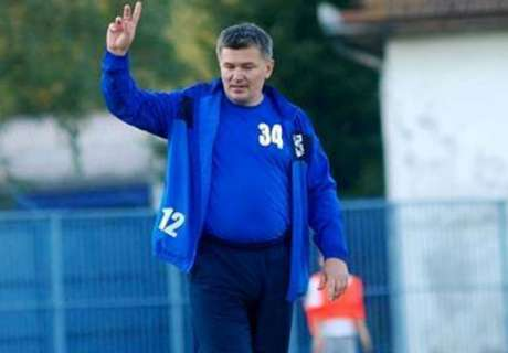 Bosnian team sack coach via Facebook