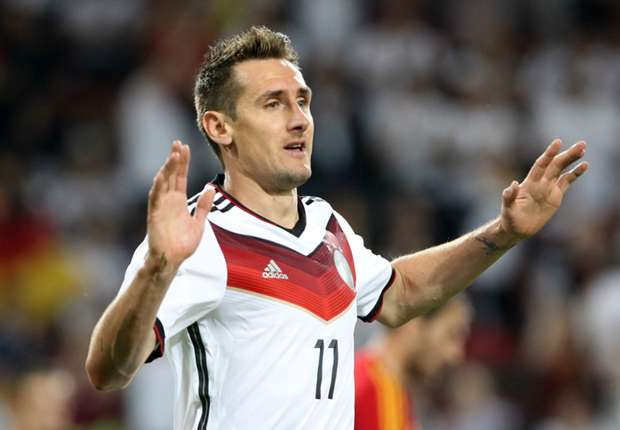 Klose equals Ronaldo's World Cup goal-scoring record