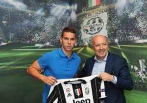 Transfer Marko Pjaca ke Juventus pekan lalu mencantumkan namanya dalam daftar 20 besar pemain muda termahal yang diakuisisi klub. Di mana posisi <em>youngster</em> Kroasia tersebut dan siapa lagi yang menghiasi daftar? Temukan jawabannya di sini!