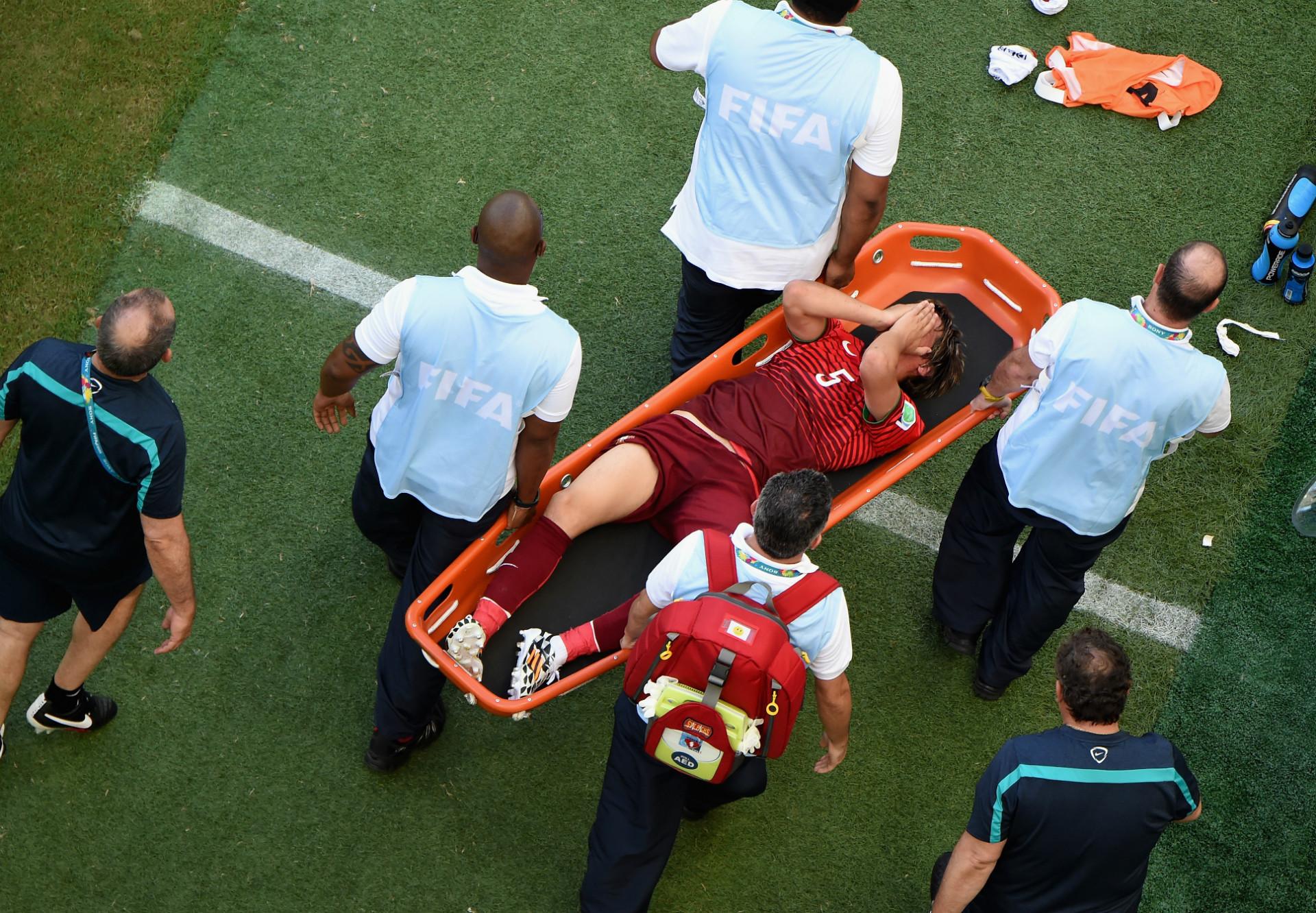 Картинки нелепых травм в футболе 3