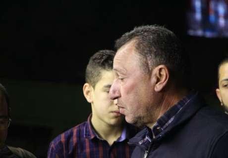 شاهد بالصور: الخطيب وعلاء مبارك ونجوم الكرة في عزاء والد تريكة