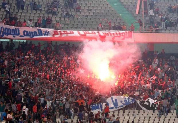 أزمة في تونس بسبب لافتة  إعدام  مرتضى منصور -