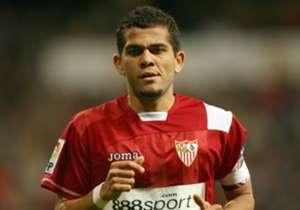 1) Dani Alves | 2003 - 2008 | Prezzo: 500.000 € | Venduto a: 35,5 M € | 2 Europa League, 1 Copa del Rey, 1 Supercoppa di Spagna, 1 Supercoppa Europea