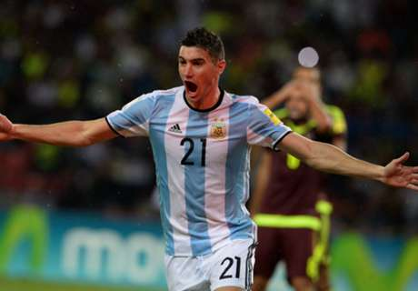 PSG in contact for Lucas Alario - agent