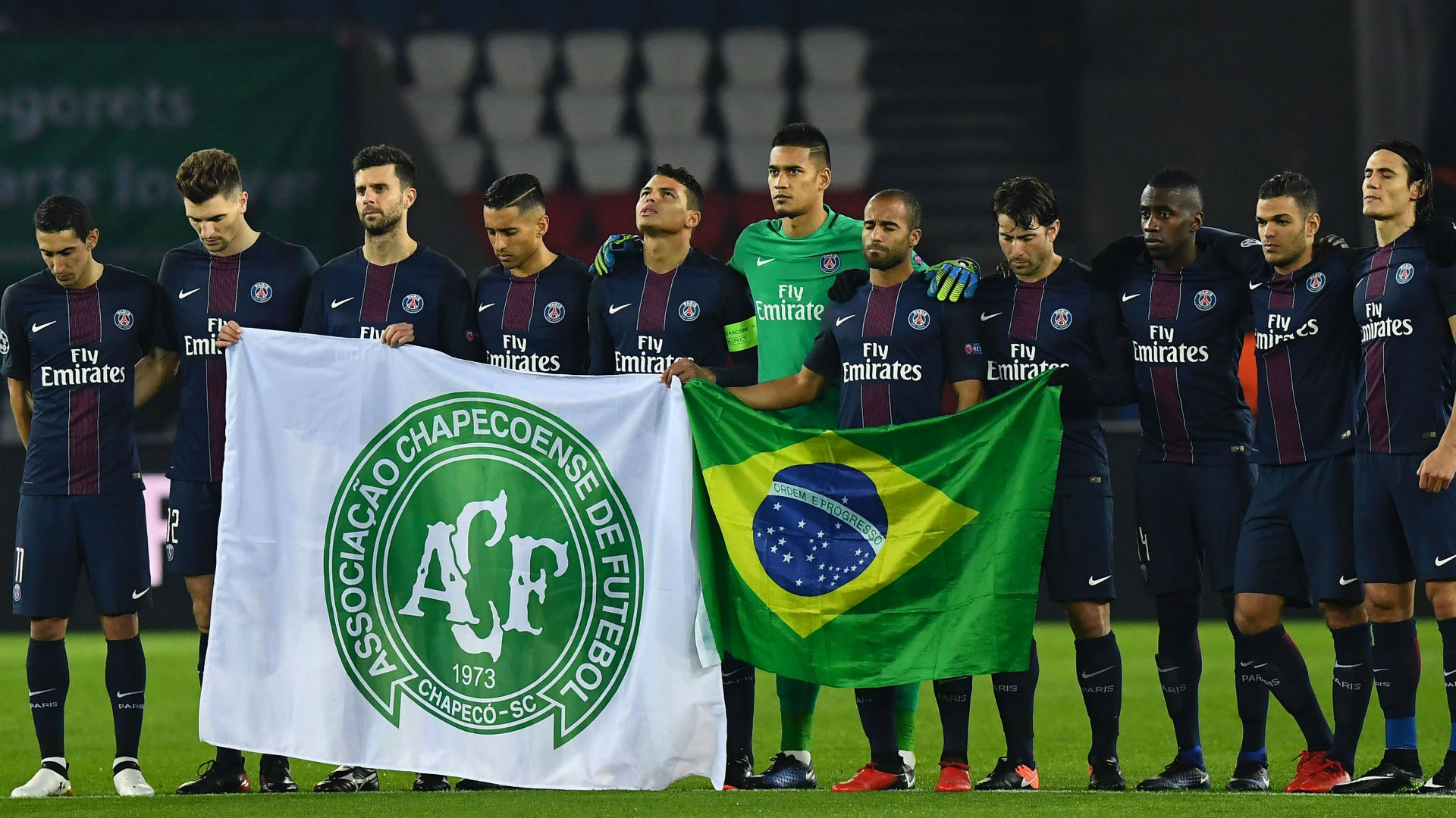 PSG Ludogorets tribute to Chapecoense Champions League 06122016