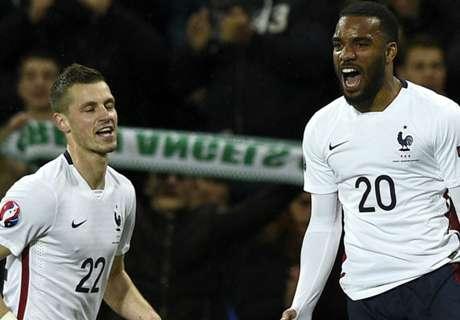 Frankrijk dankzij spitsen naar zege
