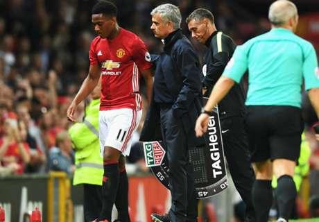 Mourinho: Martial está bien en banquillo