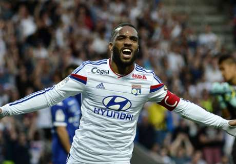Lyon on Lacazette injury fears