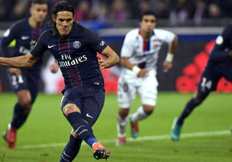 Cavani double sinks Lyon