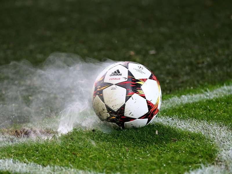 Futebol podre, futebol lindo
