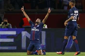 Paris Saint-Germain 3-0 Metz: Lucas, Kurzawa & Verratti on target for champions